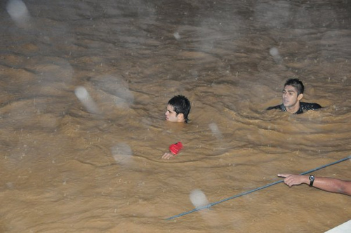 Gerald Anderson swimming murky floodwaters