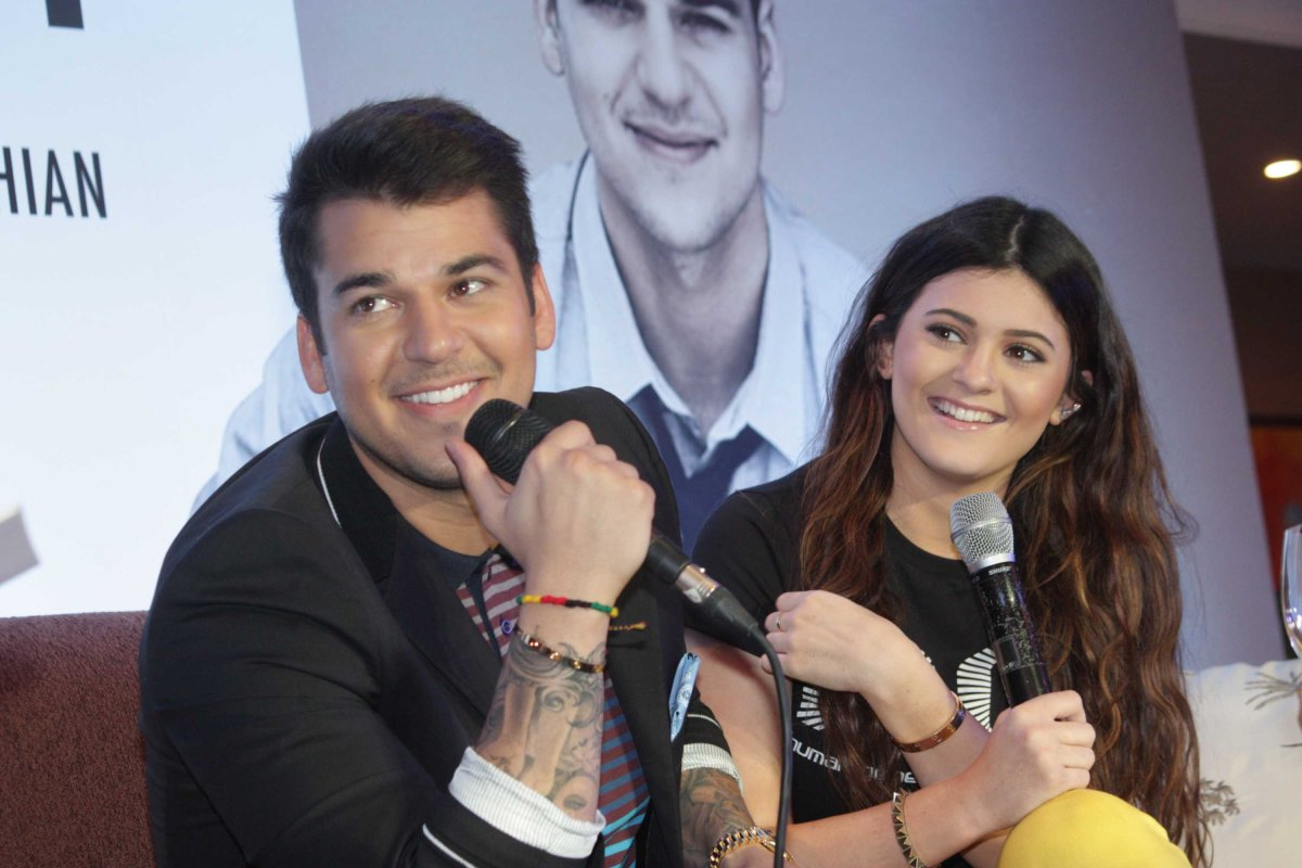 Rob Kardashian and Kylie Jenner in Manila photo by Jude Bautista