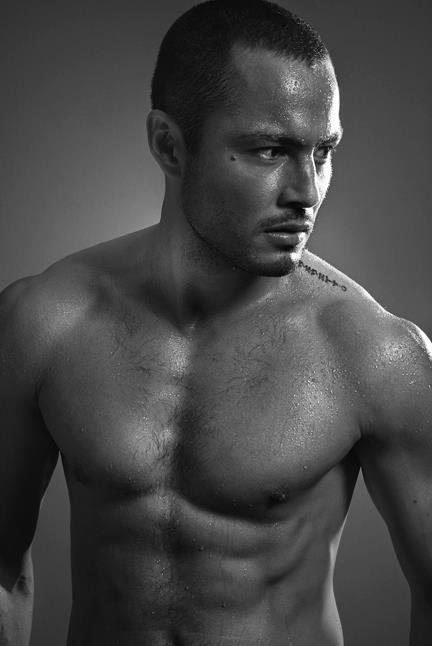 Derek Ramsay shirtless
