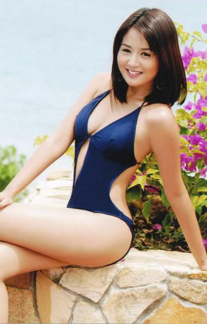 Kris Bernal bikini