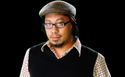 Lourd is an author, a musician, a radio jock, and a TV personality whose instant ticket to success is as a weatherman of the news department of TV5.