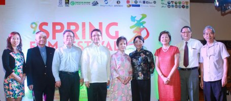 from left: Confucian Inst. Dir Liu Xiao Fang, Ricardo Leong founder of Ricardo Leong Center for Chinese Studies, P.R.O.C Emb. Counselor for Political Affairs Pan Feng, ADMU Pres. Fr. Jett Villarin, Dr. Rosita Leong benefactor- Leong Initiative for Ateneo Internationalization, Shangri La Plaza EVP & Gen Mgr Lala Fojas, Confucius Inst Dir Dr Ellen Palanca, Intl Studies for Chinese Arts Pres George Uy and ADMU Chinese Painting Prof. Ceasar Cheng. Watch THE GRANDMASTER (starring Zhang Zhi Yi&Tony Leung), animation film THE LEGEND OF KUNG FU RABBIT and other Chinese films for free in Spring Film Festival at Shang Cineplex, Shang Rila Plaza Mall from Feb 13-22