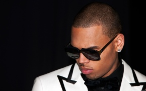 After successful gig, Chris Brown barred from leavingManila