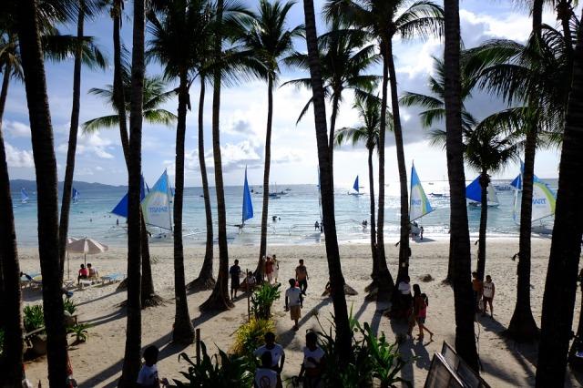 white-beach-605195_960_720